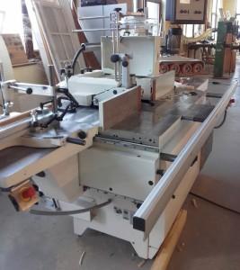 Asztali marógép előtolóval